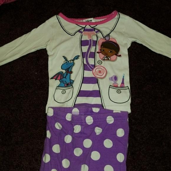 565b08924376 Disney Pajamas